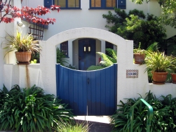 Berkeley-Blue gate in white stucco-1936