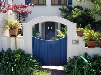 Berkeley-Blue gate in white stucco-1936